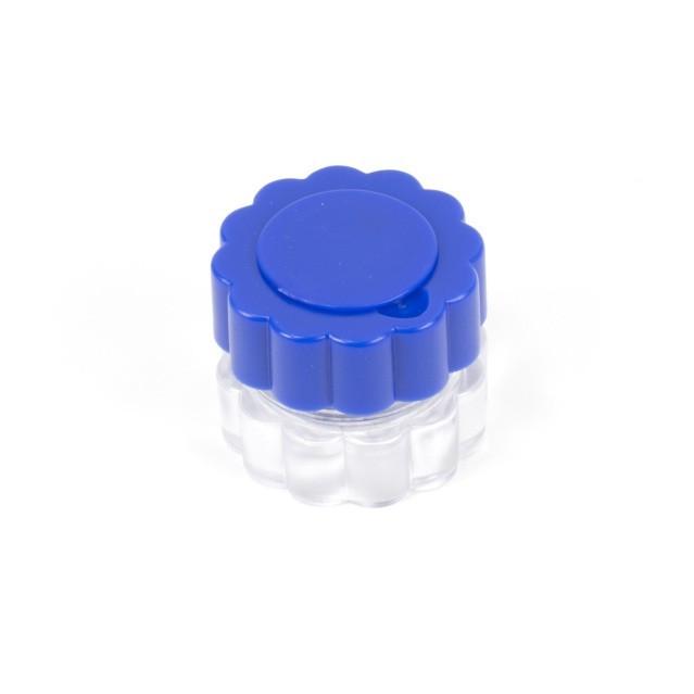 Drtič tablet se schránkou na léky