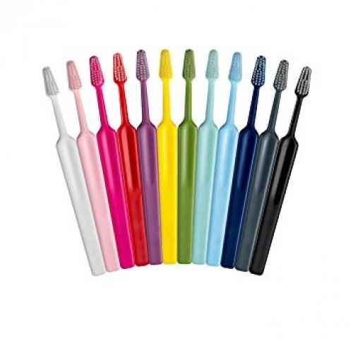 Zubní kartáček TePe Select, střední hlavice, v sáčku
